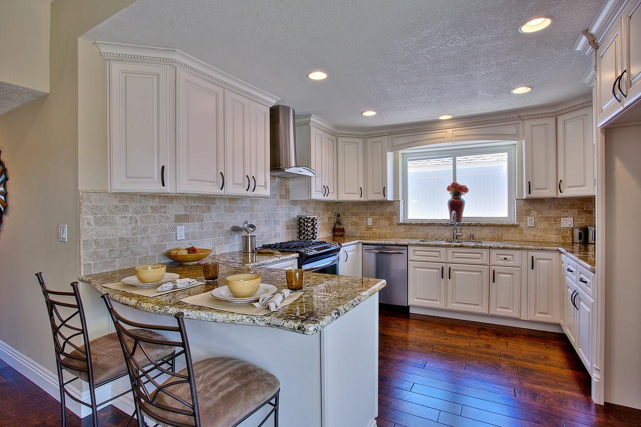 Costamesa real estate kitchen remodeled